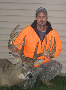 Johnny King with his buck