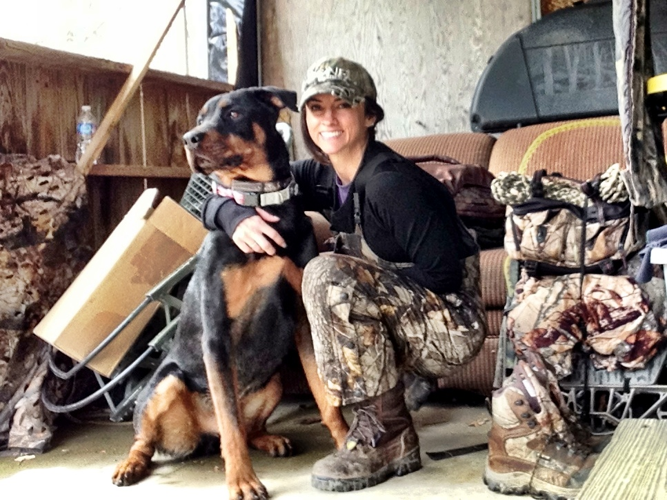 Deer hunter Nicole McClain hunts with her canine in crime Mogador Frankenstein McClain