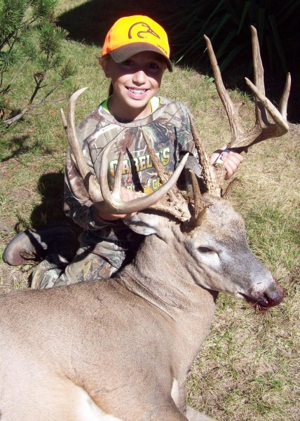 Kamryn Vogel was using her father's old Thompson/Center Encore muzzleloader on the hunt.