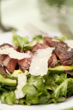 Venison Loin with Arugula is easy to prepare and delicious with a light vinaigrette dressing. (Photo: Stacy Harris, www.GameandGarden.com)